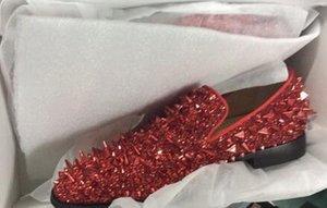 Горячая продажа - высокое качество скольжения на мокасины мужчины блеск шипами обувь королевский синий одуванчик квартиры свадебные туфли для мужчин EU39-EU46