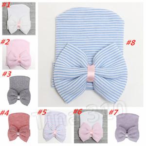 chaud du nouveau-né grand arc chapeaux chapeau bébé Crochet Knit Caps bébé crâne Bonnet hiver chaud rayé ruban bowknot 8style Party SuppliesT2C5143