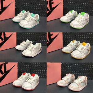2020 Kids SB Dunk Low Sneaker Children Youth Junior SB أحذية بيضاء أسود أحمر أزرق مثقاب الرياضة سكيتينغ رياضية رياضية