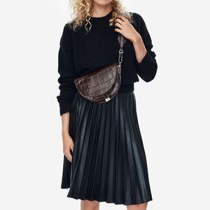 Cena Seabob 2018 Nueva moda mujer ropa medio círculo Coverd Pu cuero moda un hombro bolsas de Shell Wc63701 Y19061705