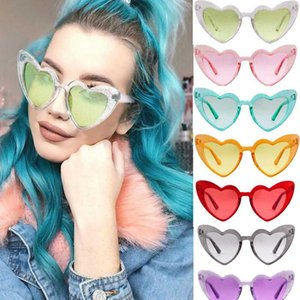 2020 Trending Big Heart Popular Heart Sharp Women Cat Eye Sunglasses Fashion Glitter Pink Glasses High Quality Shades for Female