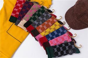 Logotipos populares Medias Mujer Ins Letter alto personalidad medias de algodón Tinselgold Calcetines mostrar el fino estilo de la universidad de pila calcetines