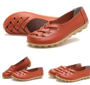 الربيع الصيف الترفيهية الأم شاطئ تسرب المياه الأحذية الجلدية شقة كعب ممرضة الأحذية صنادل أحذية النساء جوفاء ل