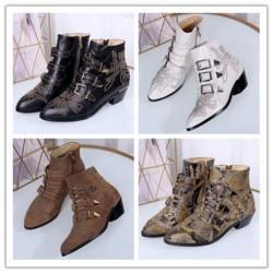 Luxo Susanna couro batido Sapatinho Designer Botas reais Nappa Leahter Mulheres Ankle Boots ouro rebites Martin Botas Bota de Cowboy L09