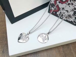 Europe America Style Retro Men Lady Femmes En laiton Silver Claqué Grové G Lettre Blind pour l'amour Collier long avec pendentif rond coeur