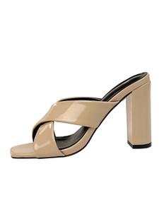 Designer-enxadas Patent Nude Cor Cruzamento de couro Trazer Sandals mulher alta com Cool Slipper