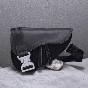 Erkekler tasarım bel çantası yüksek kaliteli lüks tasarım kemer çantası kesesi banane tasarım fannypack bumbag deri crossbody çanta göğüs çanta erkek çanta