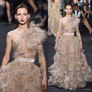 Luxe plume Elie Saab robes de soirée à manches longues épaule cristal Robes de bal Robes balayage train Une ligne rouge robe tapis
