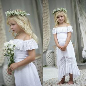 Прекрасный Bohemian Off плечо белого цветок девушка платье для свадьбы с рукавами Длинных Кружев Backless Бич Boho Первое причастие платье нового