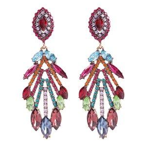 Europa y América del modo más marcado de color pendientes largos fresca del diamante geométrico de lujo Diamond Pendientes de suministro
