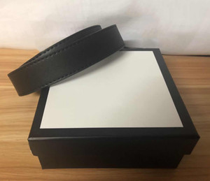 Cinture uomo Cinture di moda Cinture in pelle Belt Snake Belt Womens grande fibbia in oro con la scatola double9