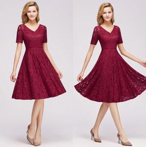 В наличии Lace линия Homecoming платья Короткие рукава V шеи Длина колена A Line Выпускные платья Короткие платья выпускного вечера cps1146