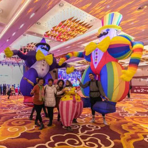 Adulte Wearable gonflable Clown marionnettes Coup coloré Up Clown Costumes Walking Performance Costume Circus City Parade Afficher