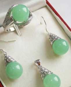 Collana ZTR56 shipping1Set 12mm Jade Pendant Necklace Earrings Ring Set C017 Gioielli naturali
