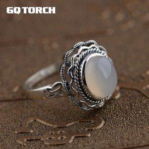 GQTORCH prata esterlina 925 Natural White Calcedônia Gemstone Rings For Women Vitnage oco Flor Esculpido Anel Feminino CJ191205
