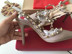 Дизайнер острым носом 2-3 ремень с шпильками высокие каблуки лакированная кожа заклепки сандалии женщины шипованные ремешками туфли Валентина обувь