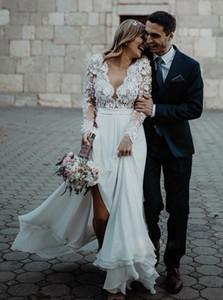 2020 Lace vestiti nuovo Country Style Wedding Applique Scollo a V maniche lunghe Abiti da sposa Corte dei treni Boho Bohemain abito da sposa BC3657