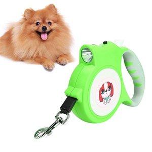 Dog Pet leash ligação retrátil com LED Flash Light Harness trelas externas cães andando Suprimentos para Médias e Grandes Dog