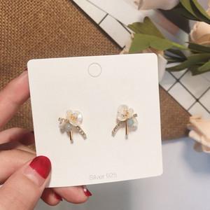 MENGJIQIAO neue koreanische Japan elegante nette Shell-Blumen-Perlen-Bolzen-Ohrringe für Frauen Delicate glänzenden Strass Ohrringe Schmuck