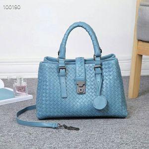 high quality woven leather bag Designer leather bag Large capacity handbag 2019 hot sale Messenger bag Ms