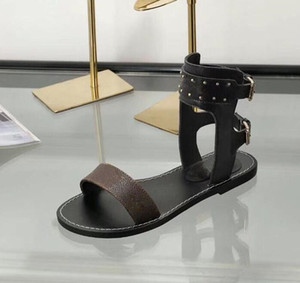 Пассажир Horizon женщин Роскошная Silhouette платье сандалии Тройной черный Коричневая кожа дамы лето Плоский Повседневный Трусы Мода Slide