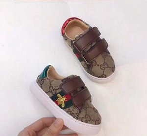 2019 Nuove scarpe sportive in pelle Scarpe sportive per bambini e ragazze Magic Stick Outdoor con suola piatta Tide Edition