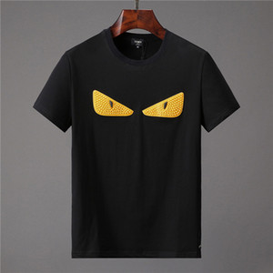 2019 лето Дизайнерские футболки для мужчин Мода сумка Bugs глаза Printing T Shirt Мужская одежда Италия Престижное с коротким рукавом футболки Топы