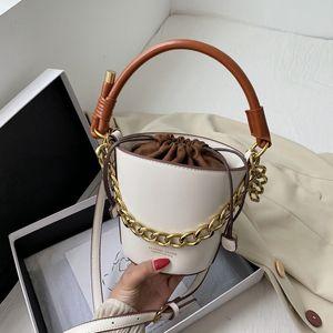 Niche Bucket Bags 2020 New Summer High Quality Chain Shoulder Messenger Bags Fashion Casual Women Purse and Handbags