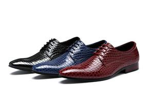 Newes concepteur britannique hommes à la mode des chaussures plates d'impression de crocodile des hommes mariage Homecoming Prom Formal formelle chaussures habillées pour homme