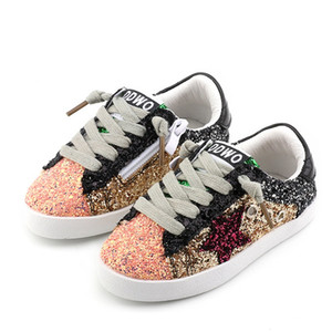 2019 zapatos del niño del bebé Glittler zapatos niña estrella blanca zapatilla de deporte del deporte del muchacho del cabrito del niño causal Trainer lentejuelas
