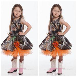 2020 orange spaghetti court Camo robes fille fleur longueur genou main fleurs Adorned filles de soirée de mariage Robes robe orange enfant en bas âge