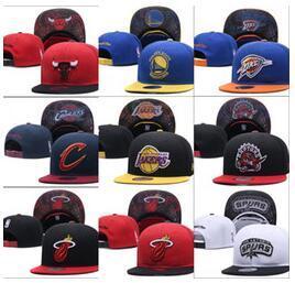 2019 New baseball regolabile Snapbacks Hip hop cappello piatto squadra sportiva I cappucci da ricamo di alta qualità per uomini e donne berretto da basket gratis