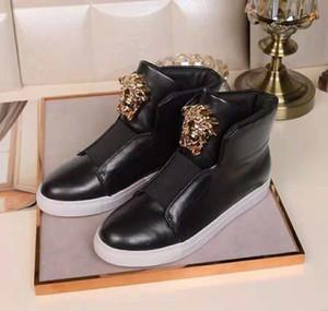 Mode Schuhe Europa-Station 2020 Herbst und Winter High-Zustand Herrenschuhe personalisierte Metall Willow England weiß take lässig Leder NO68