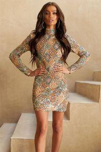 여자의 우연한 복장 유행 호리호리한 격자 무늬 본 여자의 디자이너는 우연한 여성 의류 가려진 다채로운 Sequins 를 옷을 입습니다