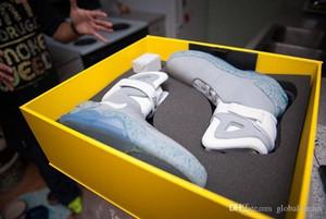 LED Air Mag Sneakers Marty McFly Chaussures Back To The Future Glow In The Dark Gris / Noir Mag Marty McFlys Chaussures de sport avec la boîte de qualité supérieure