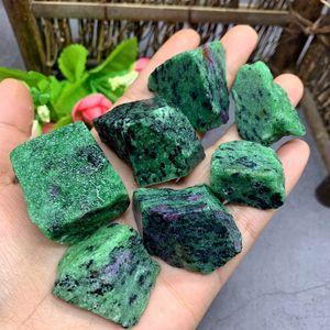 Cristal Natural Healing Natural Collection Mineral Rubí En Fuchsite cristal de roca de piedra chips de muestras del tanque de piedra de pescado