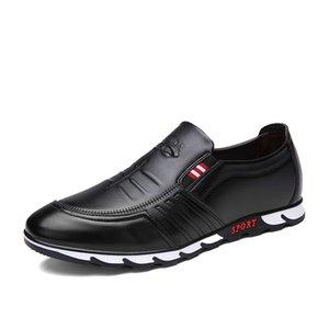 Hommes Slip-On Chaussures 2020 Style rétro Souliers Mode homme en cuir artificiel pour les hommes Loisirs Flats Mocassins design Mocassins