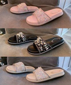 Hot 20ss Yeni Bayan Tasarımcı Terlik Sandalet Lüks Deri Dantel kadınlar Boyutu 35-40 için Terlik Slaytlar Flip Flop Tasarımcı Ayakkabı jeweled