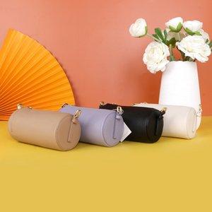 İspanyol yuvarlak ayarlanabilir omuz haberci çantası koltuk altı deri ithalatının Mini boyutu torbası 2020 yeni kadın çantası birinci katman