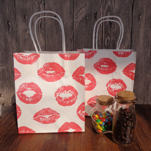 10pcs Red Lip Printed Paper Bags with Handles Party Birthday Favor Gift Bags Paper Packing Bags 15x18cm