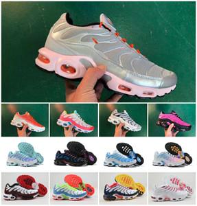 Discount 2019 sapatilhas das mulheres clássico Tn Mulheres Running Shoes Black Red White Sports Mulher instrutor superfície respirável Chaussures Requin Tn