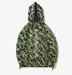 Tasarımcı Marka mens ceketler Harajuku hip hop Ekleme rüzgarlık ceket bfbape kamuflaj baskı kaykay kutusu logosu köpekbalığı ceket
