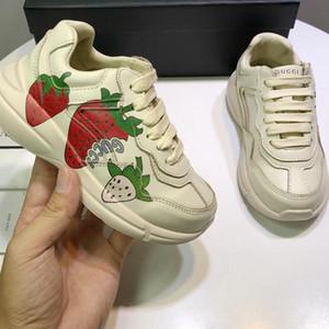 4 colori Kids Shoes Genuine ragazzi del cuoio scarpe firmate bambini calzature di alta qualità delle scarpe da tennis unisex sorella e il fratello di corrispondenza del regalo di compleanno