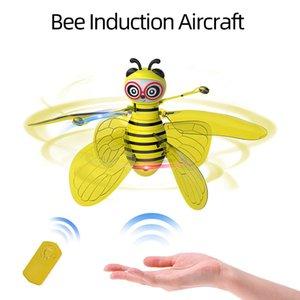 무인 항공기 꿀벌 비행 장난감 팜 센서 낙하산 디지털 RC 충전식 귀여운 꿀벌 유도 헬리콥터 주도 빛 램프 안전 튼튼한 장난감 어린이 선물