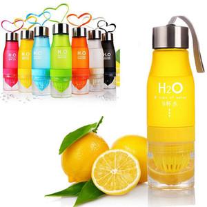 22oz Пластиковые лимон бутылки воды H20 пластиковых фруктов Настой Бутылка Infuser Пить Спорт на открытом воздухе сок Лимонный портативный велосипед Путешествия Спорт бутылки