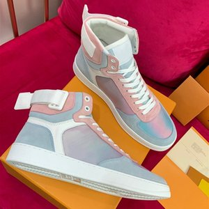 Rivoli Prism Sneaker Boots Luxo Mens Designer High top Sneaker Moda Rainbow Leather Sneaker com monograma Mens Designer de formadores