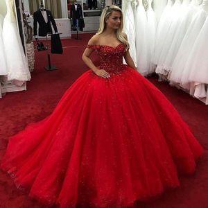 Bright Red 2020 Ball Gown Quinceanera Off Perline spalla Cristalli Lace Up Dolce Abiti 16 Prom Dresses vestidos de Quinceanera