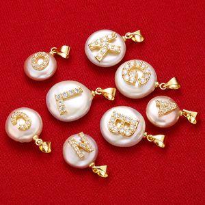 XULIN perla naturale Ciondolo micro pavimenta Lettera perla naturale accessori del pendente con la collana che fanno DIY ICMB-1