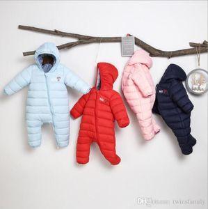 Bebek Kış Rompers Çocuk Tasarımcı Giyim Bebek Aşağı Pamuk Tulumlar Erkek Kapşonlu Bodysuits Yenidoğan Giyim Butik Giyim DYP7089 tırmanın