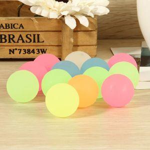 Favor de bola 100pcs de alta rebote de goma bola luminosa Pequeño hinchables Piñata Rellenos Partido niños de juguete bolsa brillan en la oscuridad